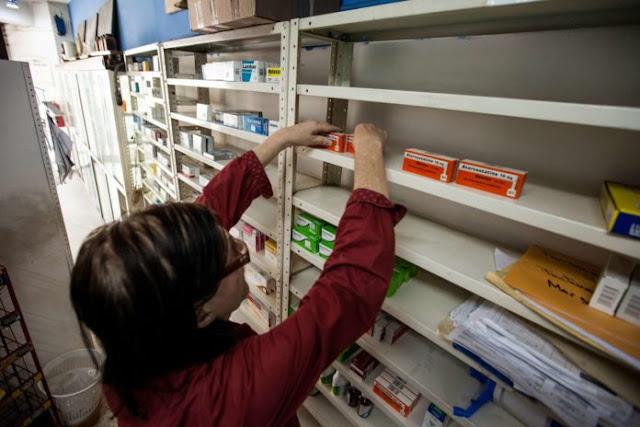 A punto de cerrar: Farmacias ya no pueden pagar la mercancía que les llega