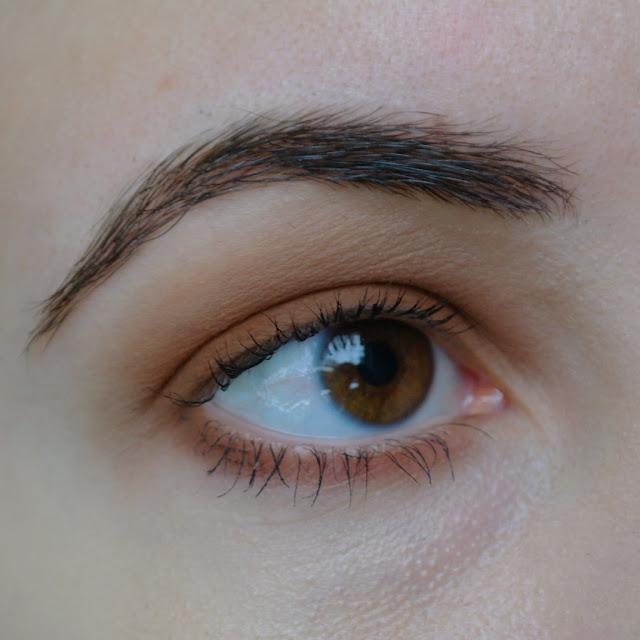 maison jacynthe eyeshadow cappuccino 04