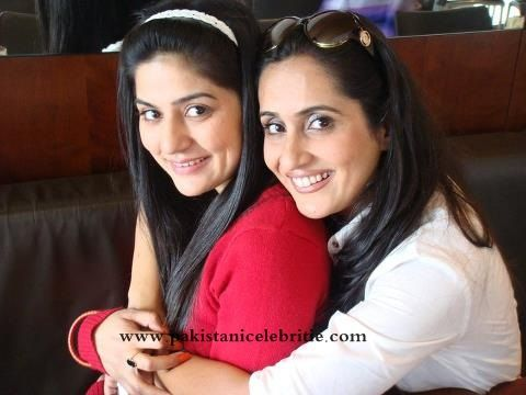 Sanam Baloch With Sister