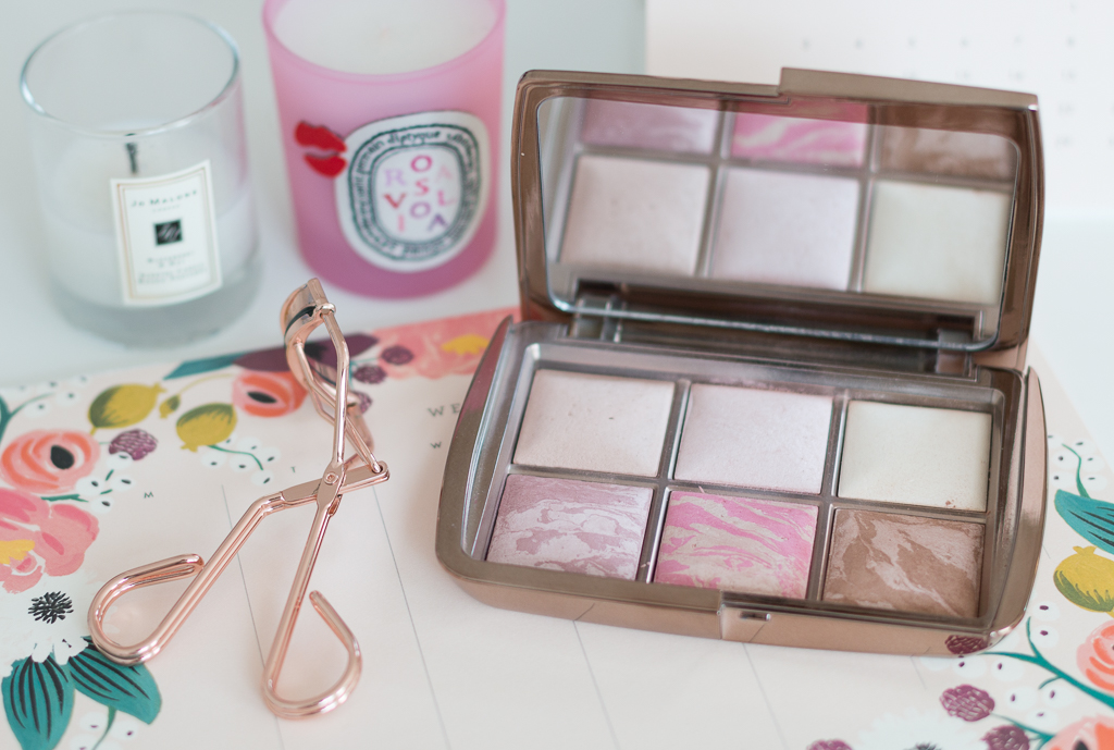 Sommer Glow Make-up Produkte Tweezerman Hourglass Ambient Edit Palette