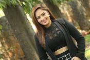 Nikesha Patel latest sizzling photos-thumbnail-4