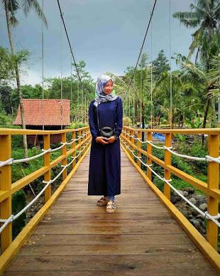 Foto Jembatan Wisata Kampung Flory Sleman Jogja