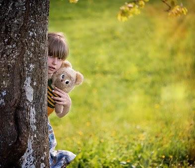 memanggil anak dengan panggilan kesukaan dan indah