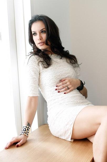Foto Wajah cantik model Igo Artis Cantik Sophia Latjuba paha mulus mualaf
