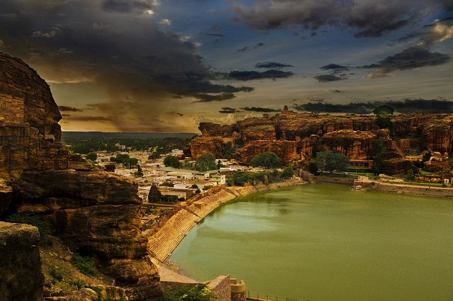 Badami – A Great Place for People Interested In Arts and Architecture