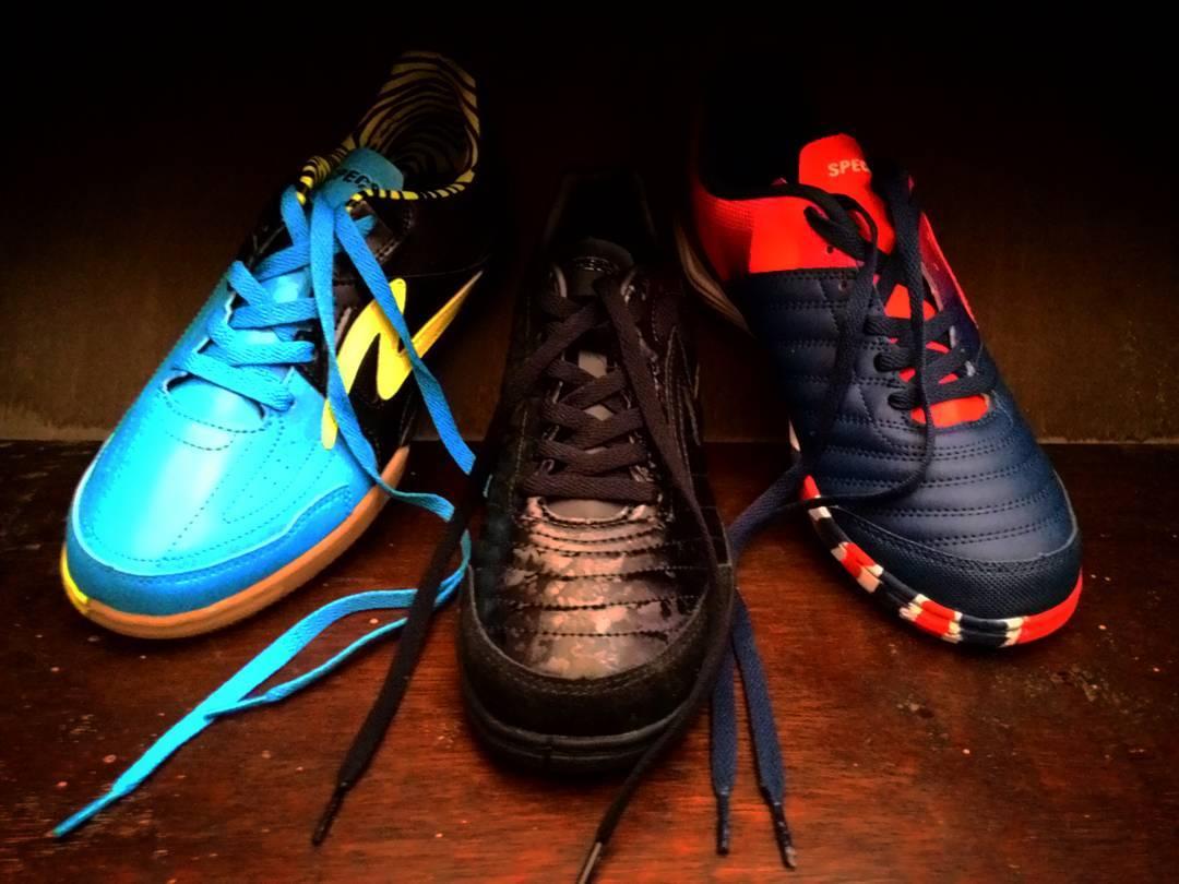 Harga Sepatu Futsal Specs Terbaru Berfariasi Termasuk Dengan Merk SPECS Anda Bisa Membelinya Di Toko Olahraga Terdekat Untuk Seri Saat Ini