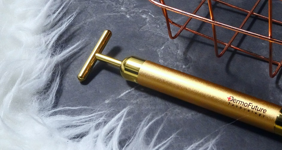 wibrator, masażer do twarzy, złoto na twarz, odmłodzenie