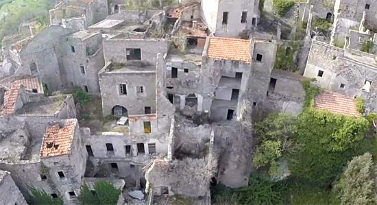Balestrino - Cidade fantasma medieval na Itália 3