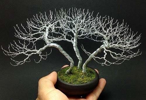 18-Ken-To-aka-KenToArt-Miniature-Wire-Bonsai-Tree-Sculptures-www-designstack-co