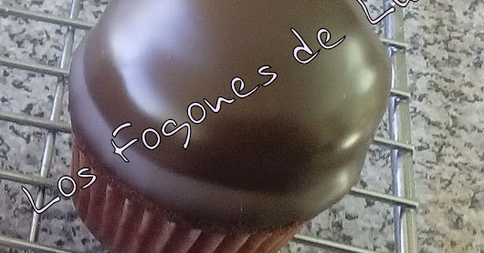 MINI MUFINS DE CHOCOLATE CON MERENGUE Y CHOCOLATE