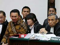 Hakim Tegur Pengacara Ahok Karena Kopi Bersianida