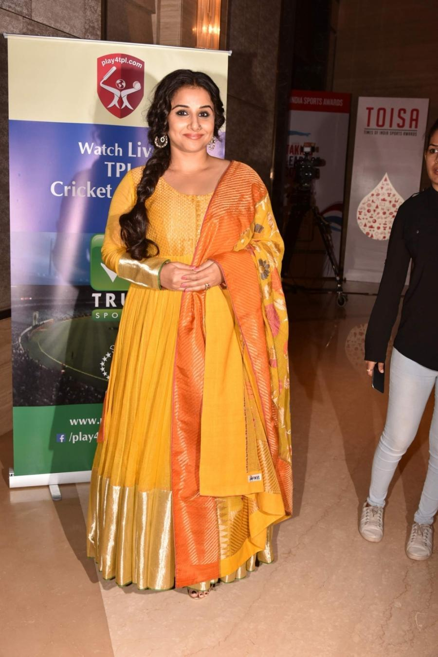 Vidya Balan In Yellow Dress At Times of India Sports Awards
