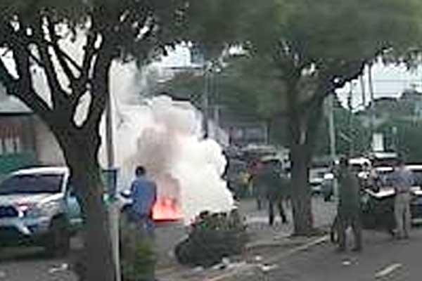 """En Machiques protestaron frente a """"Los Chinos"""" por venta de productos regulados"""