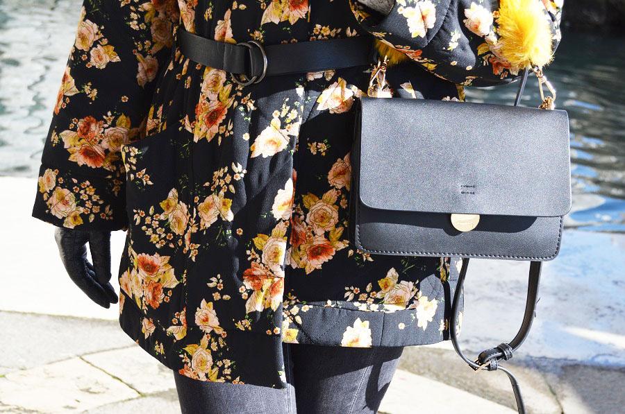 pikowany płaszcz w kwiaty zara