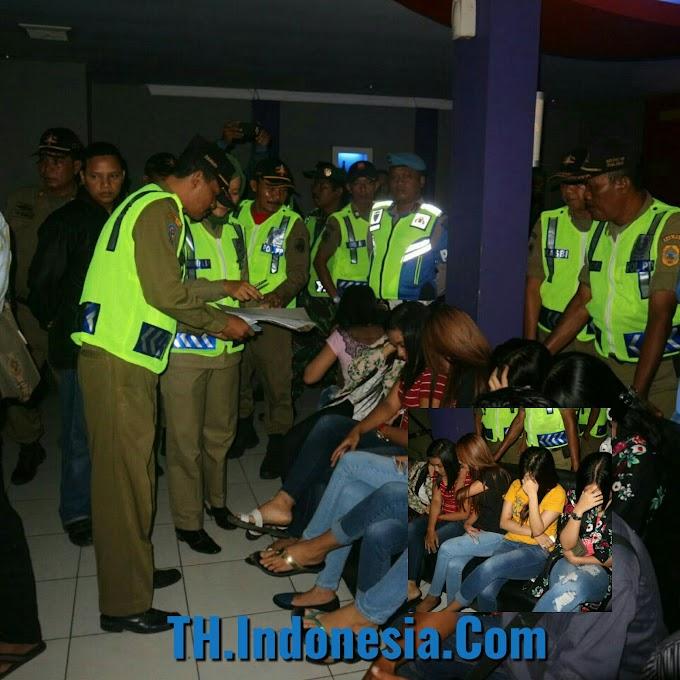 Petugas Personil Gabungan TNI - POLRI Sambangi Sejumlah Tempat Hiburan Malam di Pati