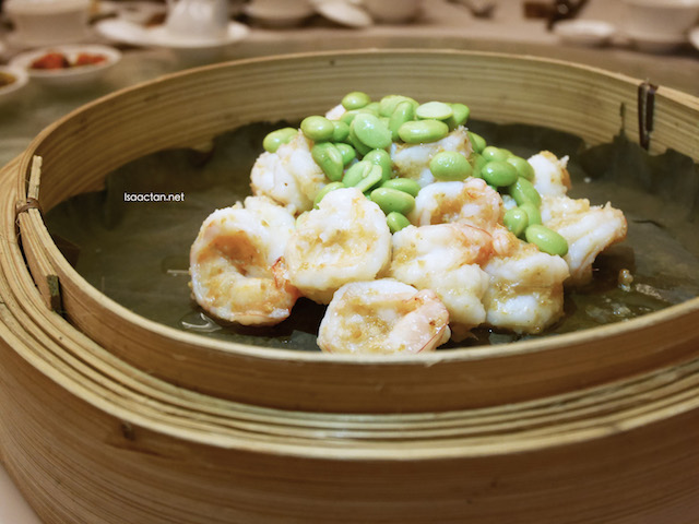 Sauteed Prawn with Green Soybean and Garlic Sauce