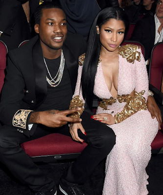 nicki-minaj-gets-chanel-bag-as-another.html