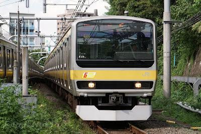 中央総武線を走るE231系0番台