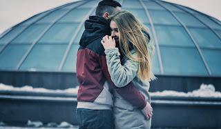 Cuando estás enamorada te esfuerzas por ser mejor, eres completamente sincera y transparente, te gusta pasar mucho tiempo con él.