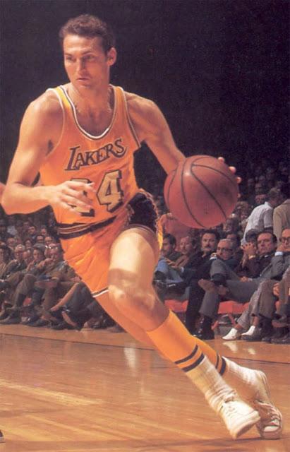La foto de Jerry West que inspiró el logo de la NBA