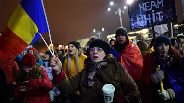 Romanians continue anti-government protests in capital Bucharest