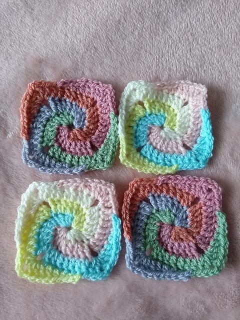 Crochet a Spiral Granny Square | Free pattern