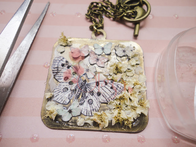 colgante para el dia de la madre flores y mariposas. mother´s day necklace flowers butterflies
