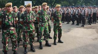 Hari ini Sedikitnya 1.288 Personel Gabungan Dikerahkan Untuk Jaga Gedung DPR - Commando