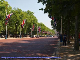 Paseo de The Mall preparado para el desfile del cambio de la guardia