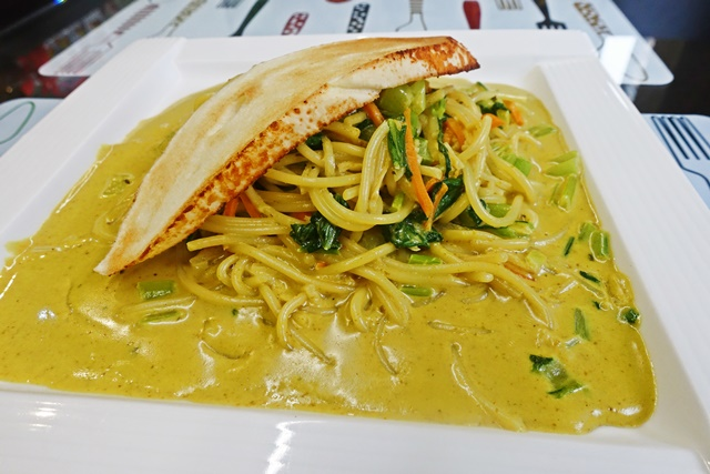 南洋椰香咖哩麵