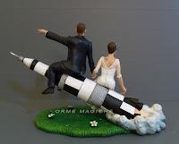 cake topper idee regalo sposi matrimonio testimone sposi su razzo orme magiche