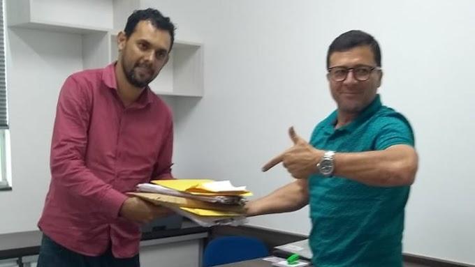 CHUPANDO O DEDO, FORA DO CONVESCOTE: Apoiadores do Coronel se dizem traídos e ficam sem CDS