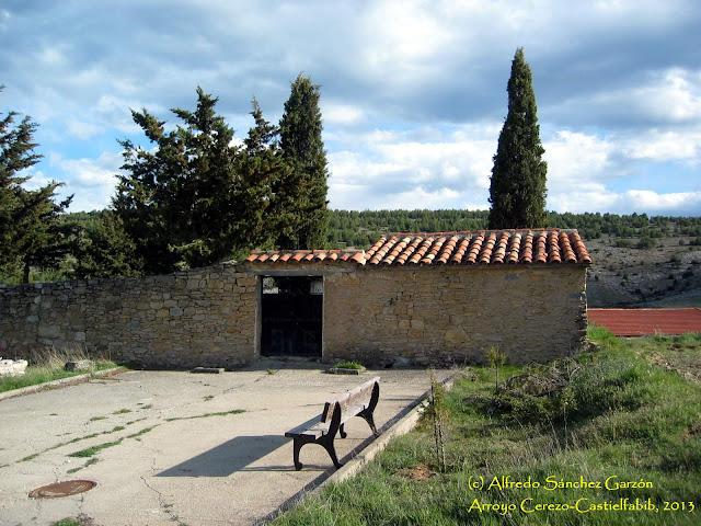 arroyo-cerezo-castielfabib-cementerio-entrada