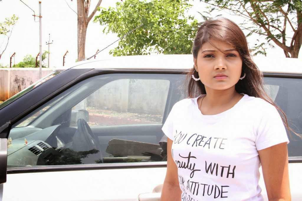 TV Actress Priyanka Latest Stills In Nuvve Kavali