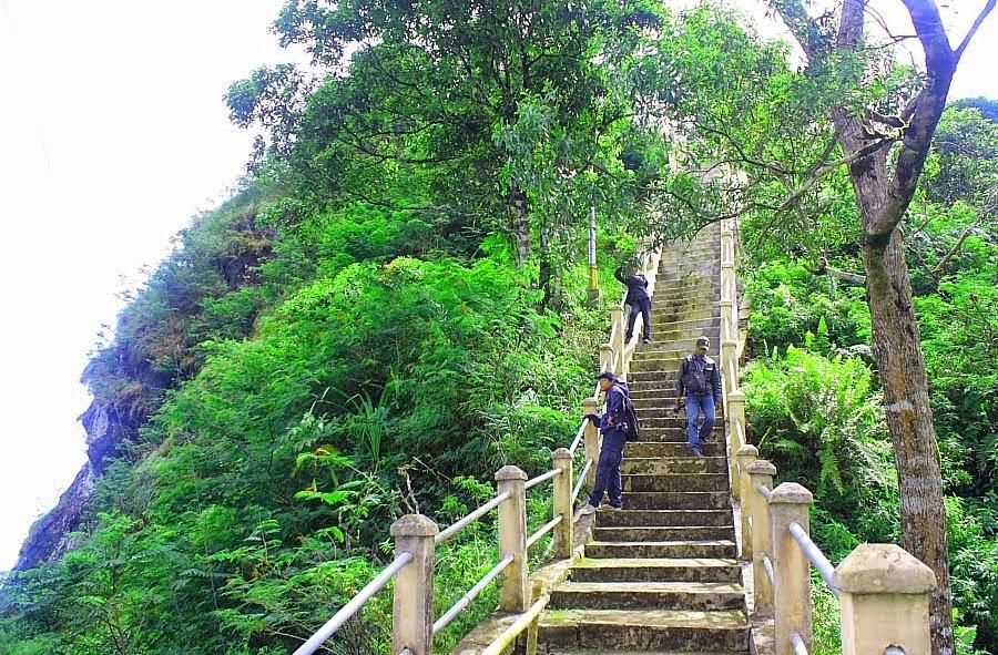 transportasi yang dapat sobat gunakan untuk ke puncak suroloyo melalui jalur dari arah jalan godean sentolo kalibawang dan magelang