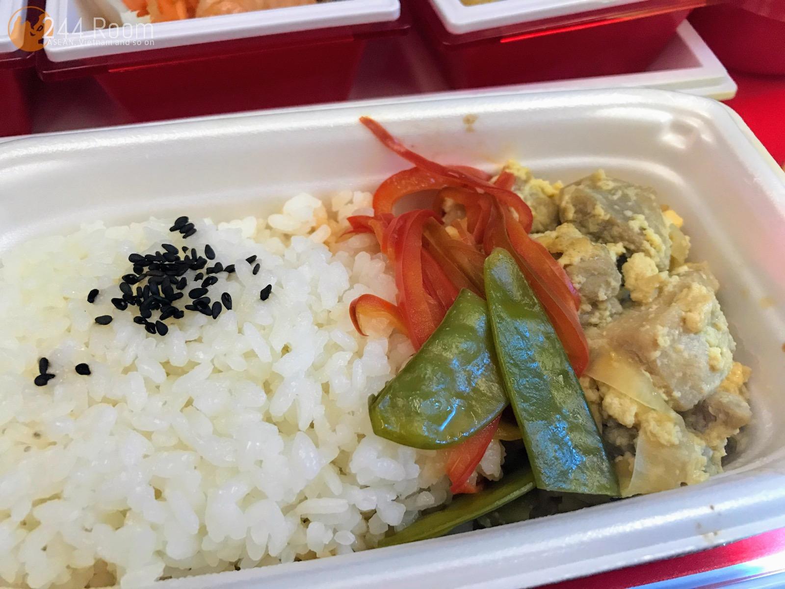 JALエコノミークラス機内食親子丼 JAL Economyclass-flight-meal-japanese
