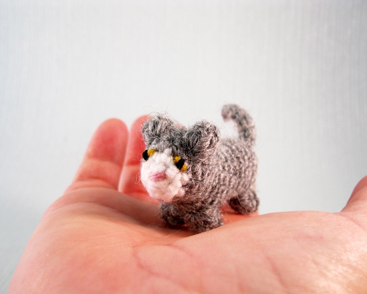 Tiny Amigurumi Cat Pattern : LucyRavenscar - Crochet Creatures: Mini Pets - Tiny Cat ...