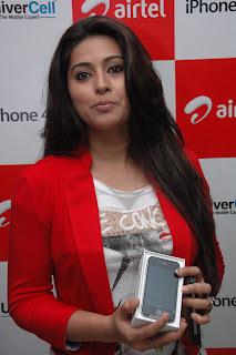 Sneha At Airtel Iphone 4s Launch (3).jpg