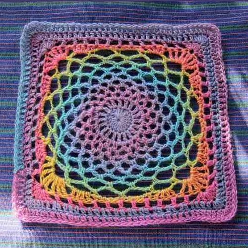 Free Crochet Pattern - Dream Catcher Square