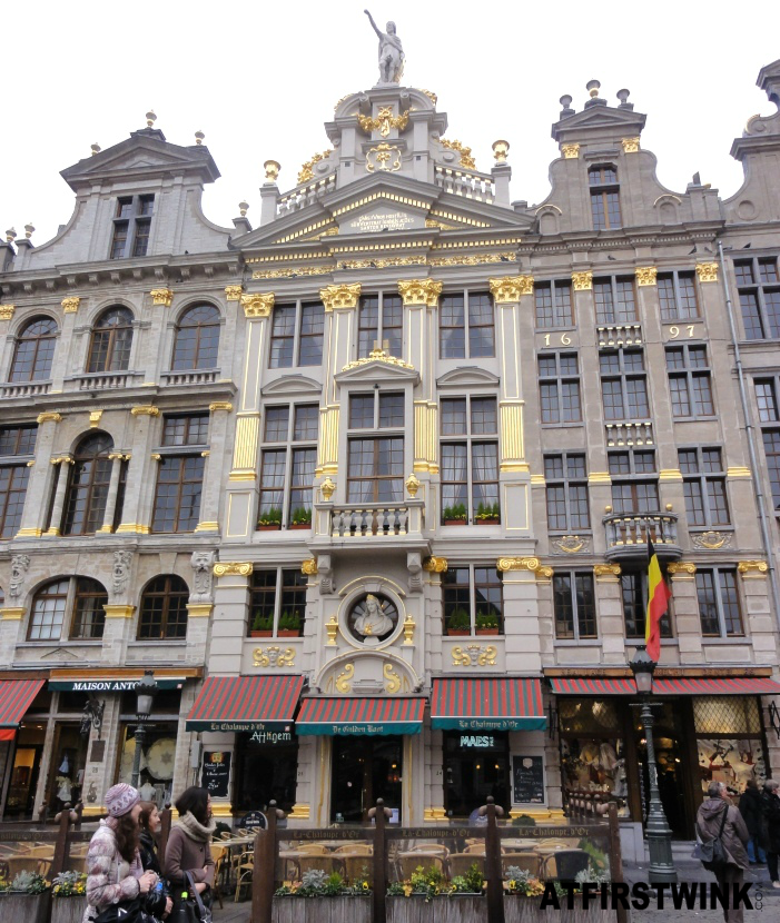 cafes, restaurants, and stores in Grand Place, Brussels