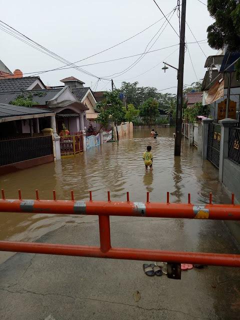 Banjir di Jatiwaringin Antilope Bekasi