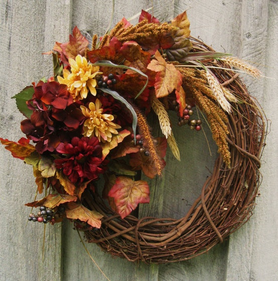 Love Like Crazy: Pinterest: Fall Wreath Inspiration
