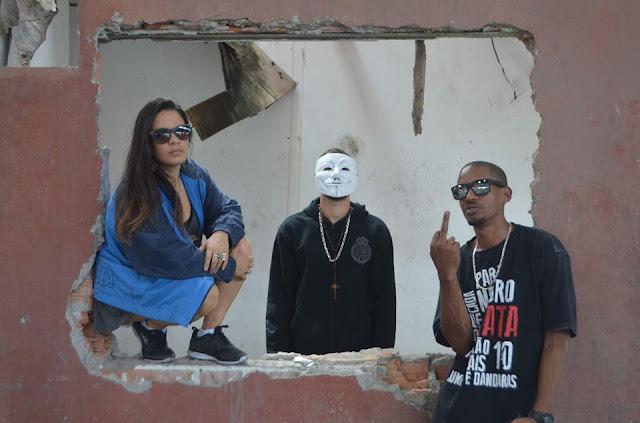 """Tipo A & Cintia Savoli abrem a """"caixa preta"""" do Brasil"""