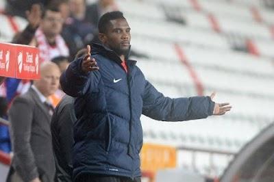 Samuel Eto'o se propose à un club de Liga
