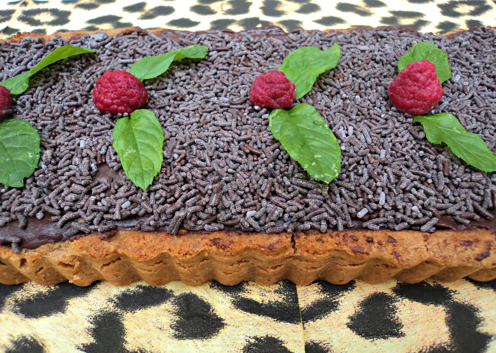 tarta-chocolate-absoluta-adornos