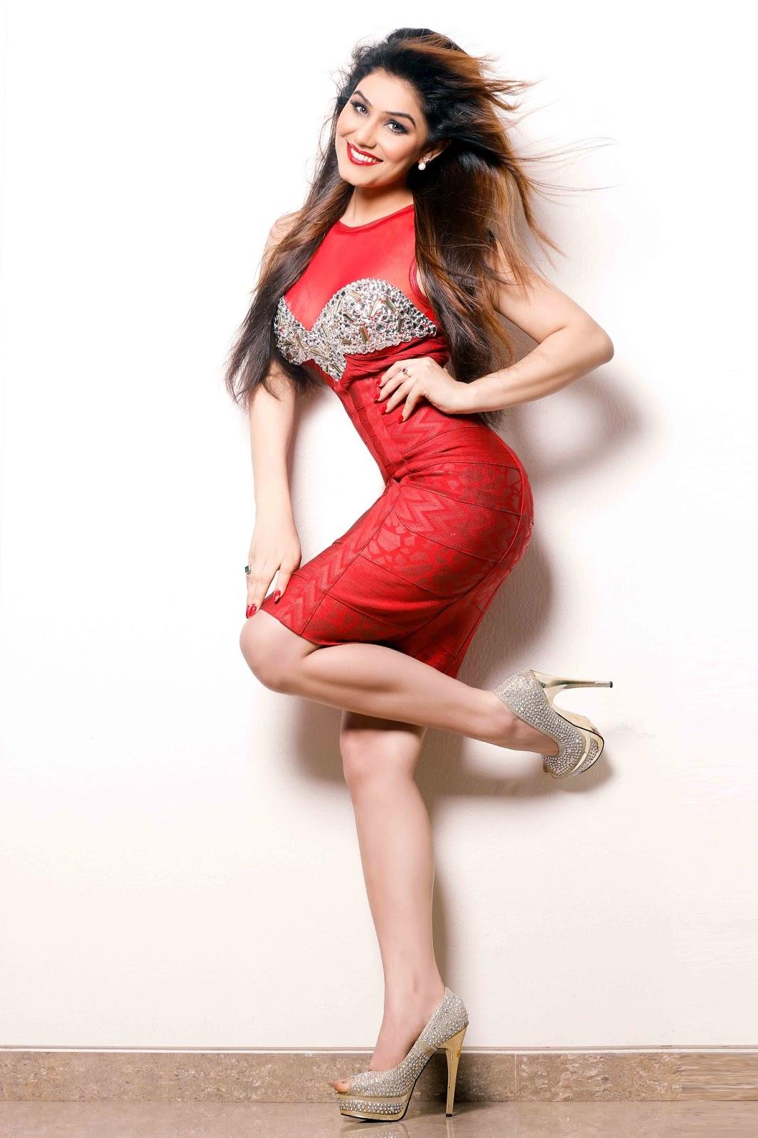 Kangna Sharma sexy legs, Kangna Sharma in high heels, Kangna Sharma sexy back, Kangna Sharma hot back