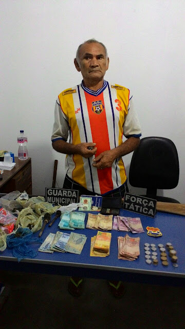 Idoso é preso com droga e dinheiro na zona rural de São Benedito do Rio Preto.