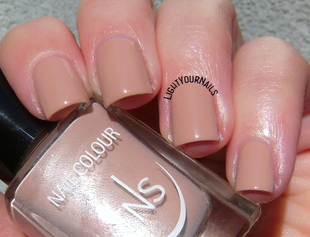 TNS Cosmetics Nude Look: Light Touch