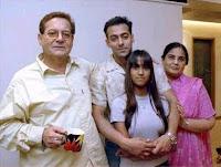 Salman Khan dengan Keluarga