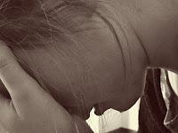 5 Cara Ini Bisa Menyembuhkan Sakit Hati Karena Cinta Bertepuk Sebelah Tangan